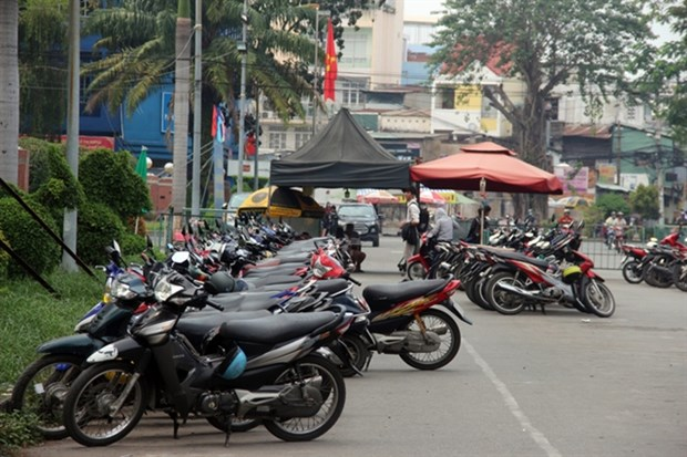 HCM City puts street vendors under better management hinh anh 1