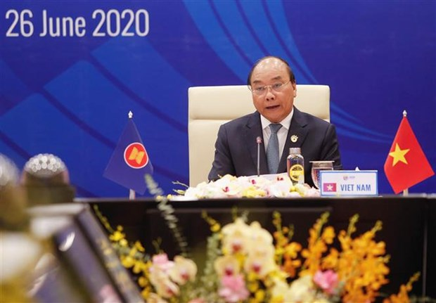 PM attaches importance to firms' recovery in building ASEAN Community hinh anh 1