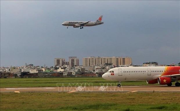 Tan Son Nhat airport's runway to be closed for maintenance hinh anh 1