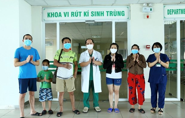 Five more COVID-19 patients recover hinh anh 1