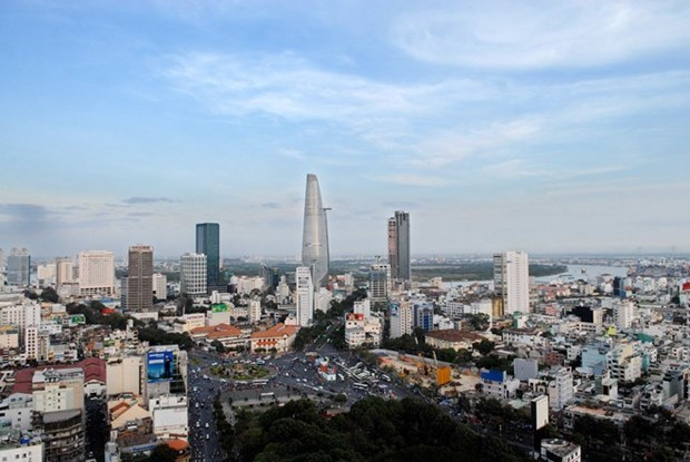Vietnam's economy records decade-low H1 growth hinh anh 1