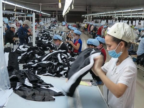 Vietnam's trade surplus hits 4 billion USD in H1 hinh anh 1