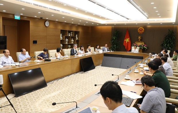 Self-sufficiency in vaccine supply critical to COVID-19 fight: Deputy PM hinh anh 1