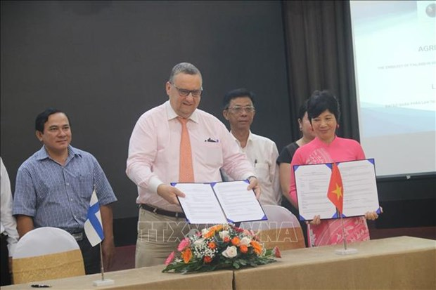 Finnish Embassy funds Mekong Delta climate change response hinh anh 1