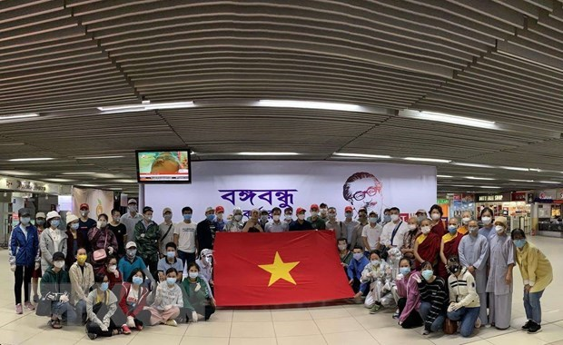 Vietnamese citizens brought home safely from Southwestern Asia hinh anh 1