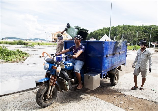 Kien Giang steps up efforts to treat waste hinh anh 1