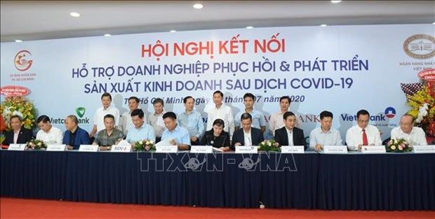 HCM City banks offer reliefs to 230,700 pandemic-hit borrowers: SBV official hinh anh 1