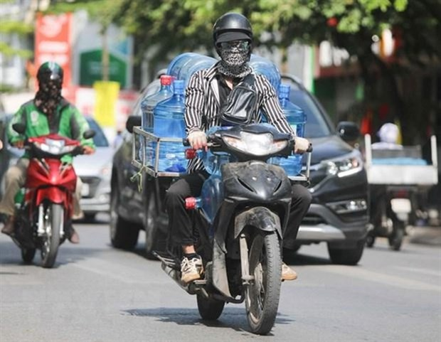 New heatwave to hit northern and central regions hinh anh 1