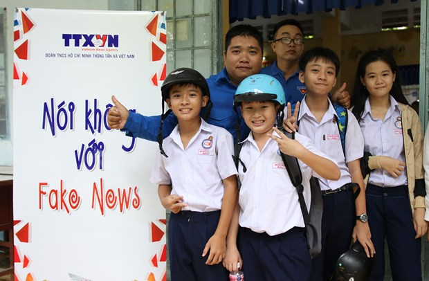 """""""Say No to Fake News"""" project comes to Dong Thap province hinh anh 1"""