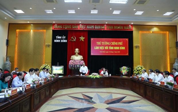 PM checks disbursement of public investment in Ninh Binh hinh anh 1