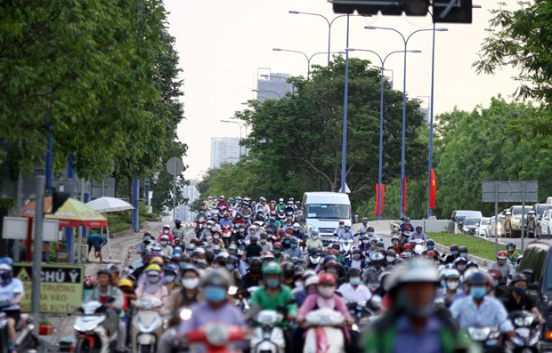 HCM City takes steps to reduce vehicle emissions hinh anh 1