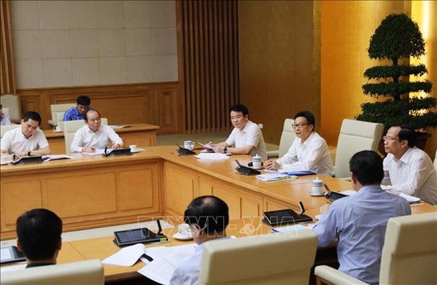 Deputy PM urges building multi-dimensional poverty standards for 2021-2025 hinh anh 1