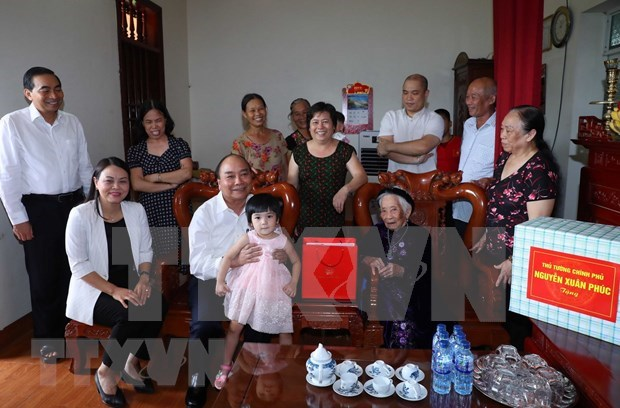 First-ever meeting to extend gratitude to Heroic Mothers hinh anh 1