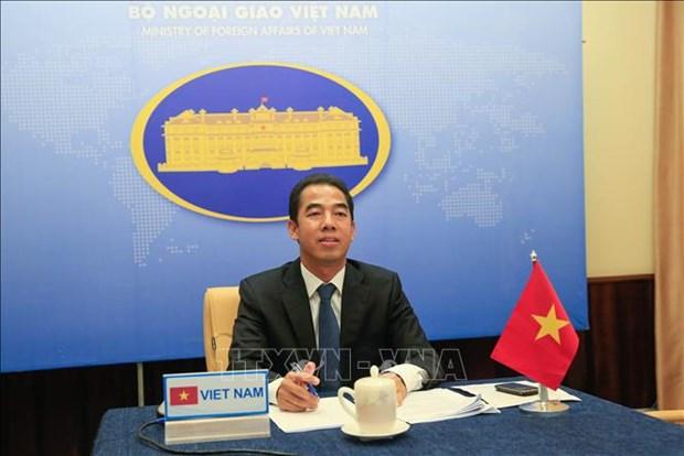 Vietnam, UK diplomatic officials hold online talks hinh anh 1