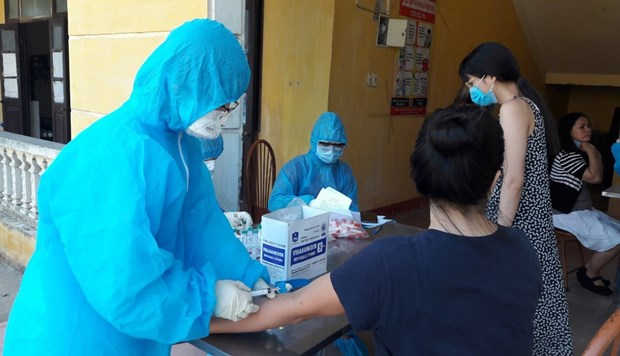 Vietnam clear of community coronavirus infections for 92 days hinh anh 1