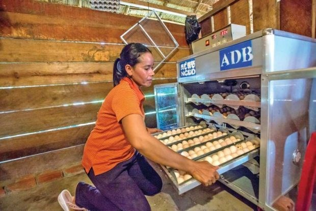 ADB: Cambodia to lose 390,000 jobs due to COVID-19 hinh anh 1