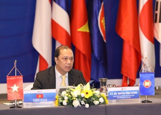 Deputy FM chairs ASEAN+3 Senior Officials' Meeting hinh anh 1