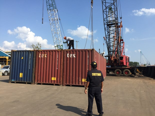 Malaysia: over 1,800 tonnes of toxic waste found abandoned at port hinh anh 1