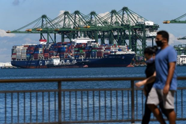 China's economic recovery fosters ASEAN's exports: Singaporean bank hinh anh 1