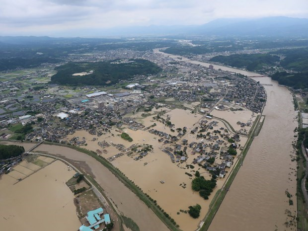 ASEAN FMs issue statement on recent floods and landslides in Japan hinh anh 1