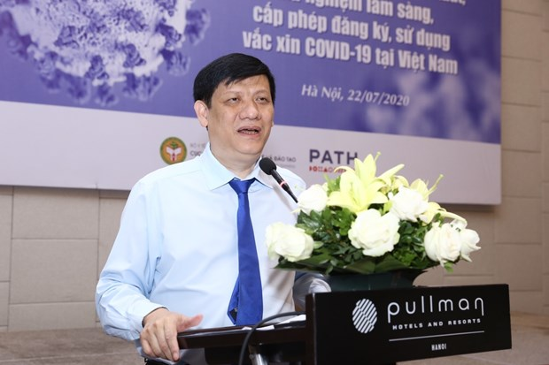 Vietnam accelerates research, production of vaccine against COVID-19 hinh anh 1