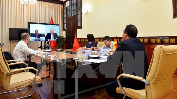 Deputy Foreign Minister holds online talk with German official hinh anh 1