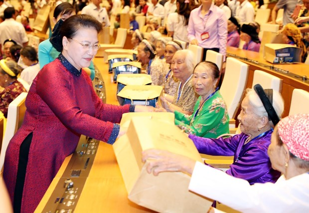 """Heroic Vietnamese Mothers are """"silent soldiers"""": NA Chairwoman hinh anh 1"""
