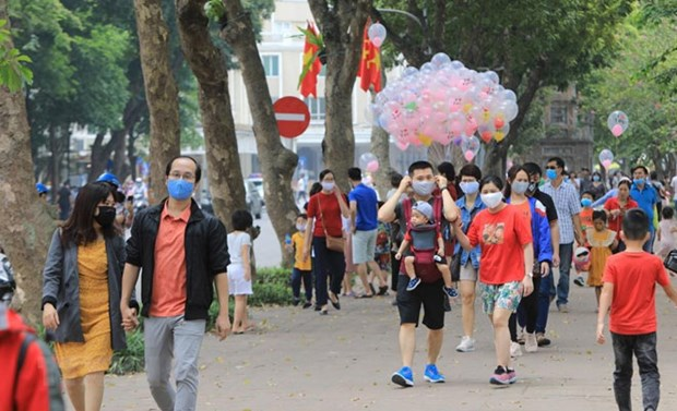 Hanoi sees surge in visitors in July hinh anh 1