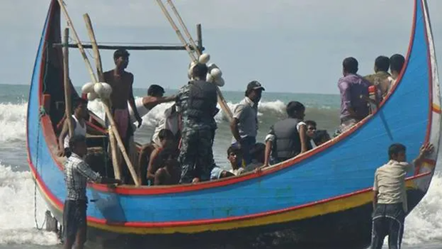 26 Rohingya feared drowned found alive off Malaysian coast hinh anh 1