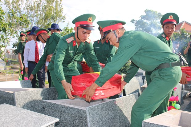 Memorial services for fallen soldiers held hinh anh 1