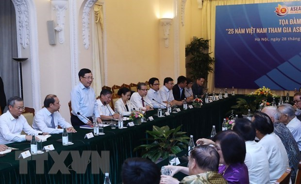 Vietnam to play greater role in ASEAN: Deputy PM hinh anh 1