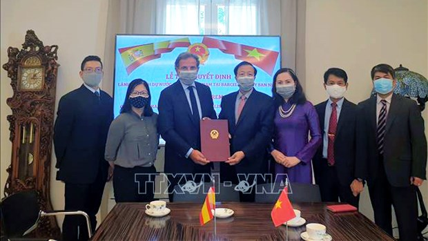Vietnam appoints Honorary Consul in Barcelona hinh anh 1