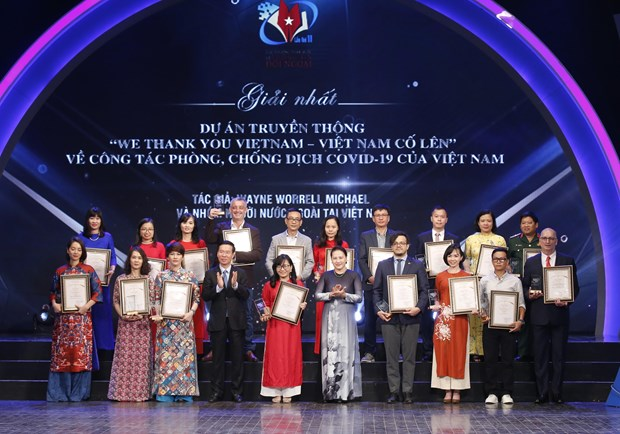 Winners of National External Information Service Awards honoured hinh anh 1