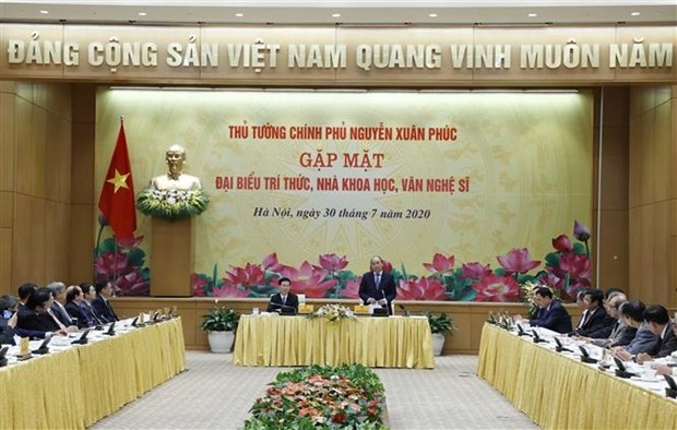 PM pledges favourable conditions for development of intellectuals hinh anh 1