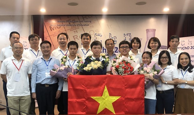 Vietnam finishes second at 2020 International Chemistry Olympiad hinh anh 1