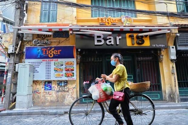 Hanoi orders closure of bars, karaoke venues and roadside stalls hinh anh 1