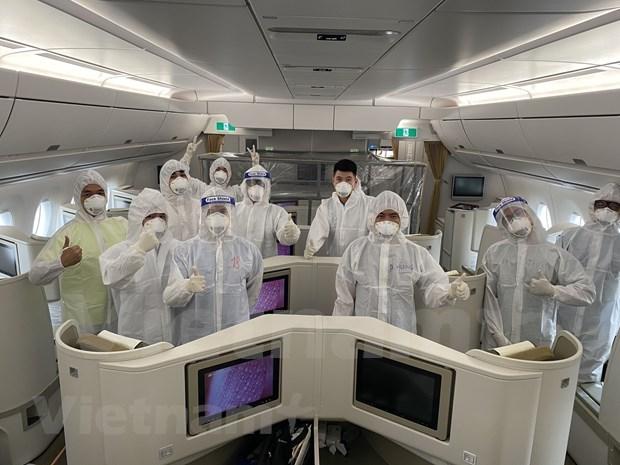 37-hour flight bringing Vietnamese citizens home from Equatorial Guinea hinh anh 1