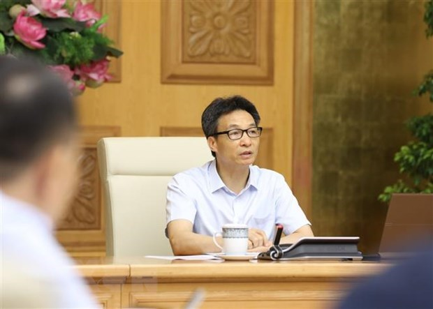 Deputy PM orders strictly handling violations of COVID-19 control regulations hinh anh 1