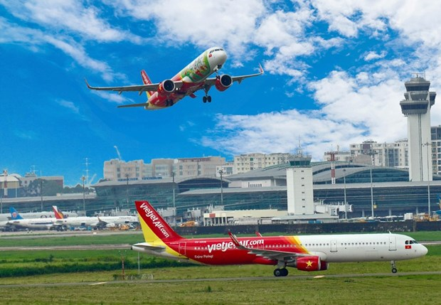 Vietjet reports loss of over 2.1 trillion VND for H1 hinh anh 1