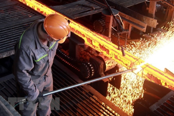 Hoa Phat steel sales surge in July hinh anh 1