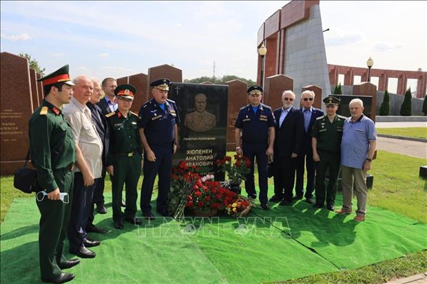 Late Russian military expert in Vietnam honoured hinh anh 1