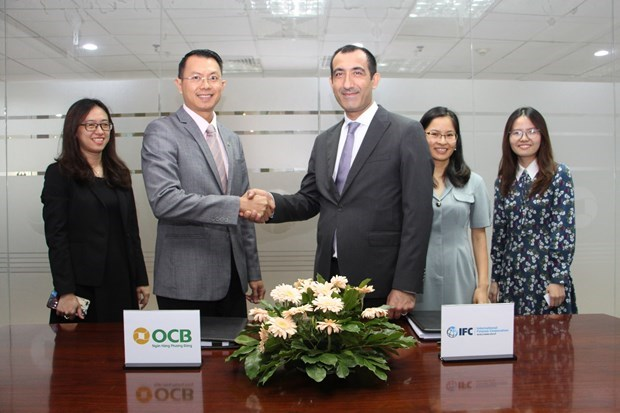 IFC helps Vietnamese bank aid SMEs amid COVID-19 hinh anh 1