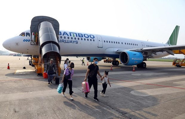 Bamboo Airways leads in seven-month on-time performance hinh anh 1
