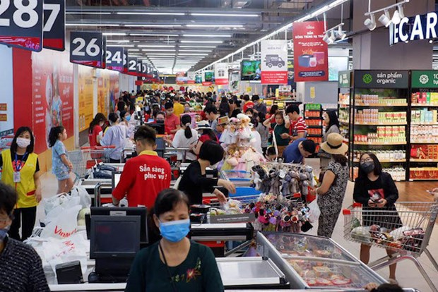 Revenue of retail sales and services rises in July hinh anh 1