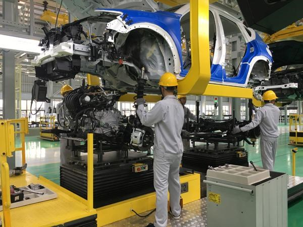 Auto firms urged to have suitable business plans amid COVID-19 hinh anh 1