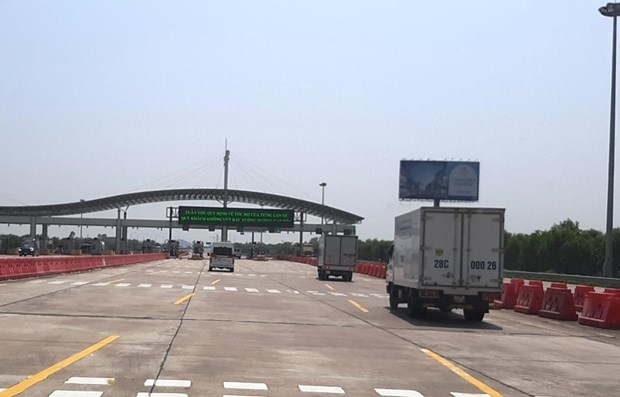 Electronic toll collections begin on Hanoi - Hai Phong Expressway hinh anh 1