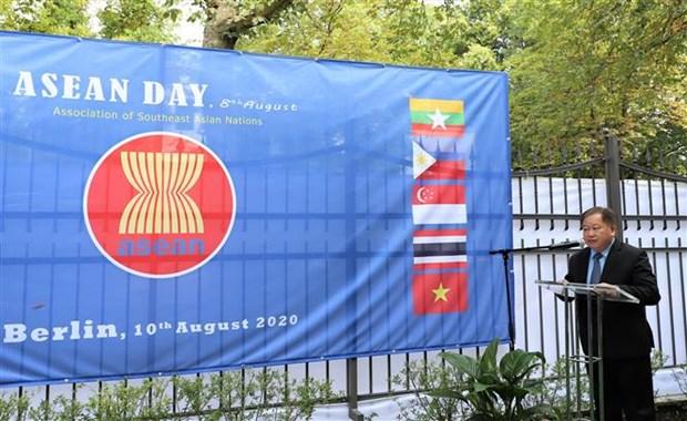 Lao ambassador to Germany spotlights ASEAN's solidarity, cohesion hinh anh 1