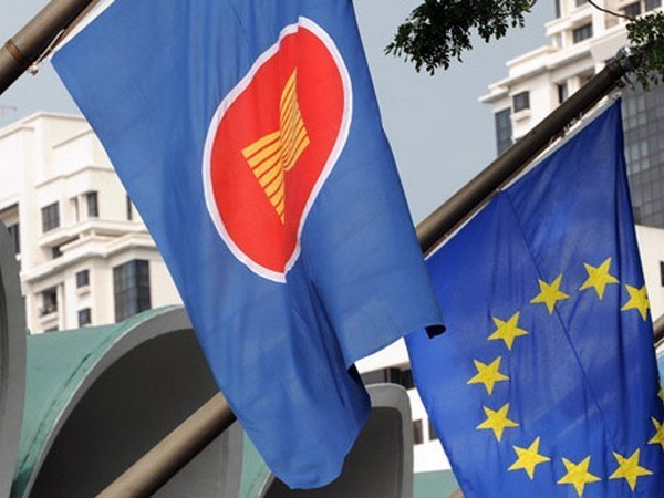 EU announces three new cooperation programme with ASEAN hinh anh 1