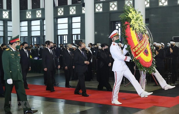 Nearly 660 delegations attend national mourning of former Party leader hinh anh 1