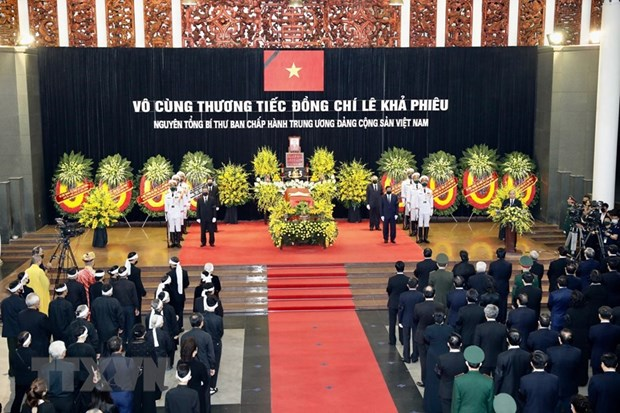 Funeral Board, family of former Party General Secretary Le Kha Phieu offer thanks hinh anh 1